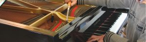 Pianostemmer in actie